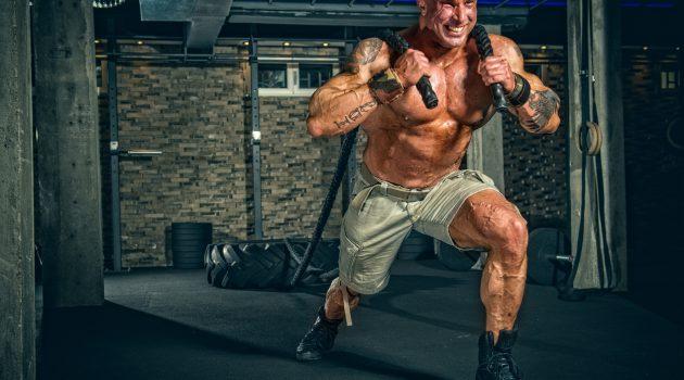 Strongman trener før konkurranse